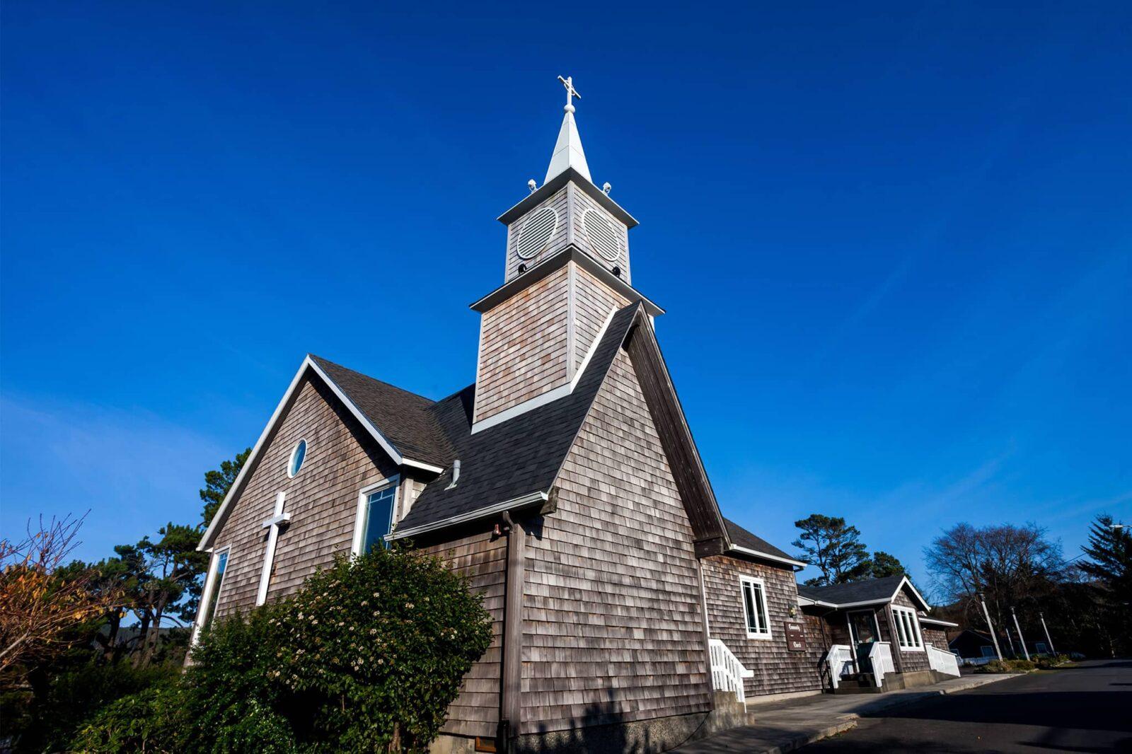 Cannon Beach Community Church, exterior view on Washington